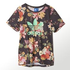 Find your adidas Women - Clothing at adidas. All styles and colours available in the official adidas online store. Looks Adidas, Casual Outfits, Cute Outfits, Adidas Shoes Outlet, Adidas Outfit, Sporty Girls, Latest Outfits, Crew Sweatshirts, Textiles