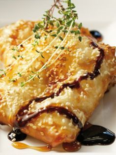haloumi_tilihto me meli exolive magazine. Food Network Recipes, Food Processor Recipes, Cooking Recipes, The Kitchen Food Network, Appetisers, Greek Recipes, Food For Thought, Appetizer Recipes, Good Food