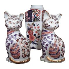 Japanese Vintage Porcelain Imari Cat Figurines and Vase