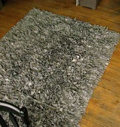 how to make a rug from old tee shirts