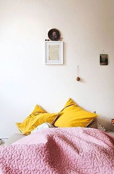 pink and yellow // cozy + serene mood