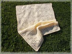 a Crochet Star Blanket, Crochet Stars, Picnic Blanket, Outdoor Blanket, Origami, Free, Paper Folding, Picnic Quilt