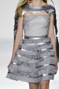 Box Pleating - Pale grey strapless dress with layered box pleat detail - fabric manipulation for fashion, both structural & decorative; Couture Details, Fashion Details, Fashion Design, Little Girl Dresses, Girls Dresses, Metallic Fashion, Box Pleat Skirt, Project 3, Pattern Cutting