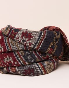 ETHNIC PRINT SCARF - NEW PRODUCTS - NEW PRODUCTS - PULL&BEAR Serbia