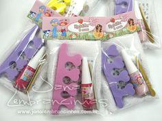 Kit manicure - acompanha: separador de unha, lixa, adesivos decorativos e…