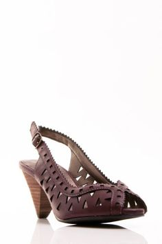 $32 omg so cuteeee GoMax Women's Ola 29 Leather Cut Out Peep Toe Sandal (6, Wine) Gomax http://www.amazon.com/dp/B00GJWJJVY/ref=cm_sw_r_pi_dp_flaKub0M22H14