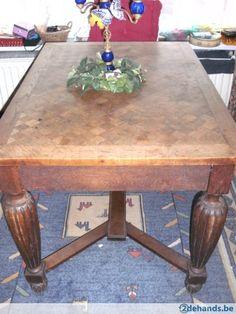 antieke tafel met bolpoten  uitschuifbaar  124x86x78