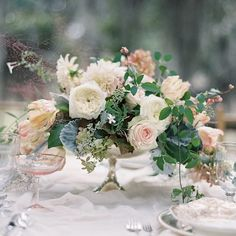 46 Super Ideas For Wedding Table Flowers Low Floral Design Low Wedding Centerpieces, Green Centerpieces, White Centerpiece, Wedding Table Flowers, Centerpiece Decorations, Floral Wedding, Wedding Decorations, Wedding White, Trendy Wedding