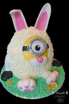 Easter bunny Minion cake.  Gâteau lapin de Pâques Minion.