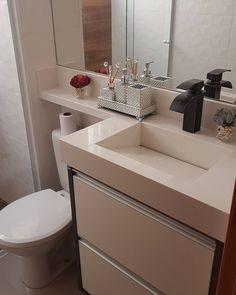 Este posibil ca imaginea să conţină: interior Bathroom Design Small, Bathroom Interior Design, Modern Bathroom, Home Decor Bedroom, Bathroom Inspiration, House Design, Decoration, Pinterest Photos, Instagram