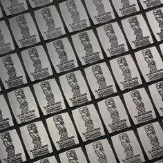 100 x 1 gram 999 AG zilverplaatje zilver edelmetaal fijne zilveren CombiCoin ESG Valcambi Cookeilanden  Zilveren plaat CombiBar 100 x 1 gram999 fine silver - met doos en certificaatZilver platen zijn paneel bars / CombiCoins die bestaan uit een groep van 100 x 1 gram fijn zilveren staven.Het individu 1 g - mini zilveren staven zijn verbonden met de verdeling van de punten en van elkaar kunnen worden gescheiden door het buigen. Het voordeel van het kopen van kleine zilver edelmetaal of munten…