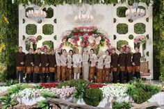 Sulthan decoration dekorasi pernikahanwedding decor pinterest pernikahan adat sunda alissa dan gerry di bandung wedding decorationsbride weddingsbandungbodaswedding junglespirit Choice Image