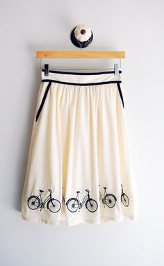 Bicycle skirt. So adorable!
