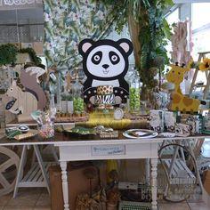 Στολισμός Βάπτισης-Candybar Panda Panda, Table Decorations, Furniture, Home Decor, Decoration Home, Room Decor, Home Furnishings, Home Interior Design, Pandas
