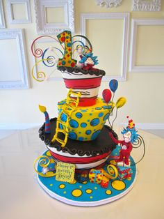 Dr. Suess Cake I like the yellow and blue layer