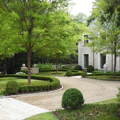 Limestone & Boxwoods - Instagram (@limestonebox) - A landscape in Atlanta designed by LandPlus and built by Benecki Homes.
