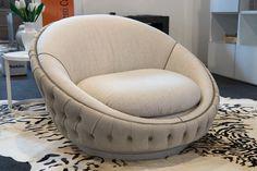 Nuvola armchair with capitonné