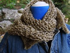 bufanda-foulard con vaqueros