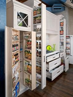 And you were worried a small kitchen didn't have storage? 16 Highly Functional Space Saving Ideas For Your Tiny Home homesthetics small kitchen furniture Kitchen Pantry Design, Smart Kitchen, Kitchen Storage, Kitchen Organization, Pantry Storage, Kitchen Ideas, Pantry Ideas, Organized Kitchen, Pantry Organization