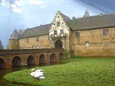 'Burg Hülchrath, Niederrhein' von Dirk h. Wendt bei artflakes.com als Poster oder Kunstdruck $18.03