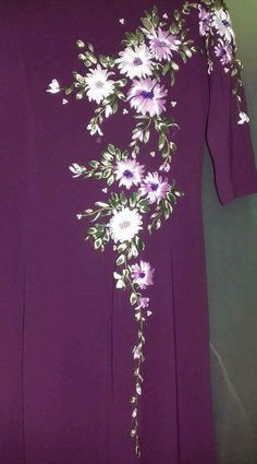 Wonderful Ribbon Embroidery Flowers by Hand Ideas. Enchanting Ribbon Embroidery Flowers by Hand Ideas. Ribbon Embroidery Tutorial, Embroidery Neck Designs, Hand Embroidery Flowers, Embroidery Works, Silk Ribbon Embroidery, Embroidery Dress, Floral Embroidery, Fabric Paint Shirt, Lace Beadwork