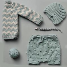 Knitted baby clothes are everything Baby Knitting Patterns, Knitting For Kids, Knitting Designs, Baby Patterns, Hand Knitting, Baby Outfits, Kids Outfits, Diy Crafts Knitting, Knitted Baby Clothes