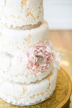 Lacey dual tone cake