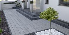 Wszystkie wymiary designu.  Kostka brukowa Design to płaska powierzchnia i nieregularna linia brzegowa w 13 elementachpozwalających tworzyć nowocześnie intrygujące powierzchnie, kt Terrace Decor, Patio Steps, Garden Paving, Driveway Landscaping, Back Gardens, House Front, Home Design Plans, Garden Design, Exterior