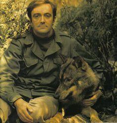 Hoy hace 32 años de la muerte de Felix Rodríguez de la Fuente, gracias a él mucho cogimos gusto y amor por los viajes y por la fauna. Gracias #Felix (y a @RTVE, la de antaño :-)