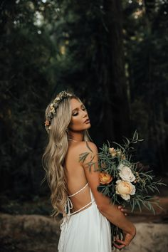 Fashionable summer wedding hairstyles - - How exactly to Get the Bride Wedding Hair Down, Wedding Hair Flowers, Flowers In Hair, Bouquet Flowers, Flower Crown Wedding, Boho Wedding Hair, Wedding Bouquet, Long Bridal Hair, Trendy Wedding