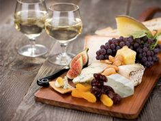 Fruit and Cheese Pairings – Cheeses with berries, peaches, melon & more
