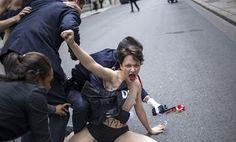 R a g news noticias.com: Ativistas do Femen foram detidas em frente ao Palácio do Eliseu noticias do Brasil e do mundo