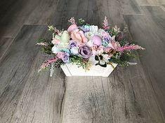 Kvietková veľkonočná dekorácia zdobená vajíčkami, vtáčikom Floral Wreath, Wreaths, Home Decor, Floral Crown, Decoration Home, Door Wreaths, Room Decor, Deco Mesh Wreaths, Home Interior Design