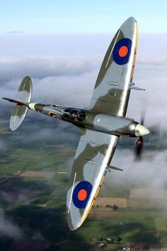 Supermarine Spitfire was a British fighter plane used in also used during the blitz. Ww2 Aircraft, Fighter Aircraft, Military Aircraft, Fighter Jets, Aircraft Carrier, Spitfire Supermarine, The Spitfires, Ww2 Planes, Aviation Art