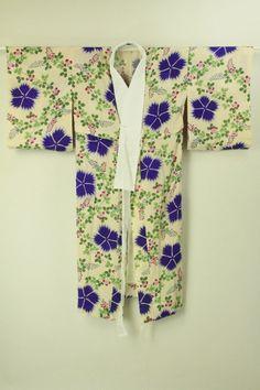 Skin color naga juban  / 肌色地 大胆色の花柄 長襦袢   #Kimono #Japan http://global.rakuten.com/en/store/aiyama/