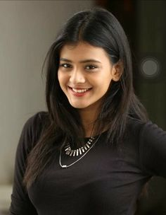 Agarwal Royapettah Packers Movers in Chennai - Packing Moving and House Relocation Service Most Beautiful Indian Actress, Beautiful Actresses, Beauty Full Girl, Beauty Women, Beautiful Saree, Beautiful Women, Beautiful Sunset, Beautiful Horses, Roll Hairstyle