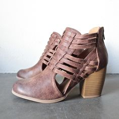 forward thinking - cut out ankle boots in cognac - shophearts - 1