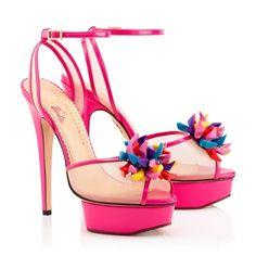 Sandales Pomeline signées Charlotte Olympia, collection « Barbie » - http://tendance-talons.com/?p=29213