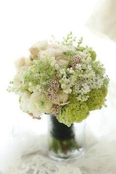 クラッチブーケ おまかせで アンティークのドレスに 杉並会館様へ : 一会 ウエディングの花