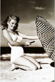 Marilyn Monroe 1940s Bathing Suit & Umbrella Postcard