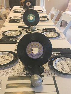 70 Ideas Music Theme Birthday Party Ideas Center Pieces For 2019 Music Centerpieces, Music Party Decorations, Party Centerpieces, Music Party Themes, Music Theme Birthday, Music Themed Parties, Birthday Party Themes, 50th Birthday, Birthday Ideas