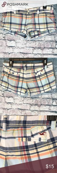 Hollister Plaid Shorts Size 1 Super cute for summer and it's coming quick! I ship twice daily.  A32 Hollister Shorts