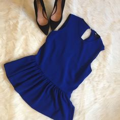 Final Saleprice firm. ZARA peplum top Sleeveless Royal Blue peplum top with semi open back. Two buttons on back and a clasp at the top showing a little back  Slits on both sides at the very bottom. So cute!!! Worn once for Christmas, in excellent condition. Size is XS but will fit a Small. Zara Tops
