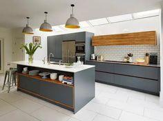 35 Ideas dark wood kitchen units interior design for 2019 Kitchen Tiles, Kitchen Flooring, Painting Kitchen Cabinets, Kitchen Furniture, Kitchen Decor, Concrete Kitchen, Kitchen Cupboards, Stone Kitchen, Kitchen Wood