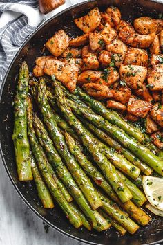 Garlic Butter Chicken Bites and Lemon Asparagus - - So much flavor and so easy to throw together, this chicken and asparagus recipe is a winner for dinnertime! - by recipes Garlic Butter Chicken Bites with Lemon Asparagus Healthy Dinner Recipes, Diet Recipes, Cooking Recipes, Healthy Food, Cooking Bread, Cooking Fish, Blender Recipes, Cooking Gadgets, Lemon Recipes
