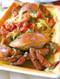 Volete una idea veloce e golosa, che porti sulla tavola il sapore del mare? Spadellandia vi propone gli Spaghetti al granchio e pomodorini. Una golosità!