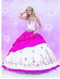 Resultado de imagen para vestidos de 15 años color blanco estilo princesa