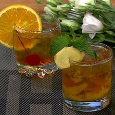 Clinton Kelly's Bourbon Peach Smash: This sweet drink will pack a punch!