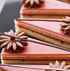 Nina Tarasova ( - Raspberry-anis Opera Cake from my master-class in Vladivostok Gourmet Desserts, Mini Desserts, Sweet Desserts, Chocolate Desserts, Delicious Desserts, Opera Cake, Cake Recipes, Dessert Recipes, Layered Desserts