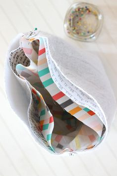 """Say """"buh-bye"""" to those old boring brown paper lunch sacks and say """"hello"""" instead to these colorful insulated lunch bags that you made yourself."""